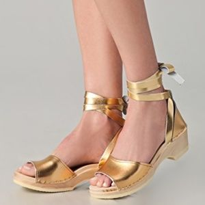 Loeffler Randall inge clogs in gold leather